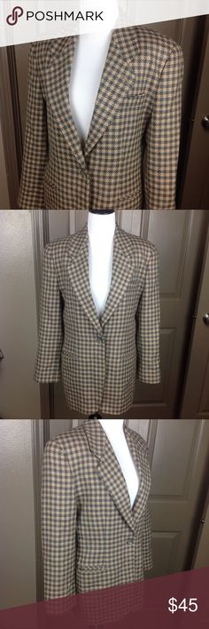 Emporio Armani Blazer Jacket 100% Virgin Wool 44 Great condition size 44 fits Small to medium see measurements 100% virgin wool & lined with viscose grey/cream checker pattern 28 inch length 19 inches across bust 22 arms 18 shoulders 17 inches across waist Emporio Armani Jackets & Coats Blazers