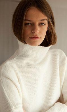 Yana sweater - Arctic white - Plümo Ltd