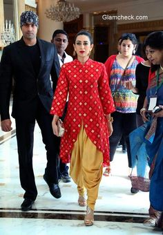 Karisma Kapoor stunning in Swati Vijaivargie during the launch of McCain foods new outlet Pakistani Dress Design, Pakistani Outfits, Salwar Designs, Saree Blouse Designs, Indian Wedding Outfits, Indian Outfits, Indian Attire, Indian Ethnic Wear, Look Short