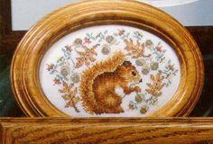 squirrel in wreath  Gallery.ru / Фото #1 - 054 - anethka