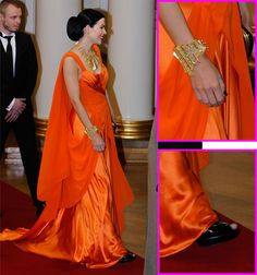 singer Jenni Vartiainen at President`s palace (dress Katri Niskanen)