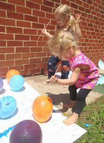 Furar balões cheios de ar: atividade de coordenação motora fina e propriocepção