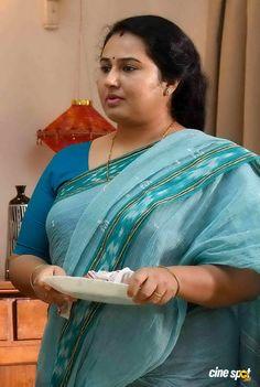 Reshmi Boban in Sachin (3) Beautiful Blonde Girl, Beautiful Girl Indian, Most Beautiful Indian Actress, Beautiful Girl Quotes, Beautiful Saree, Cute Beauty, Beauty Full Girl, Arabian Beauty Women, Desi Girl Image