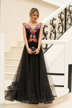 StarShinerS black long cloche dress from tulle manual sewed embroidery Evening Dresses, Prom Dresses, Formal Dresses, Wedding Dresses, Dress Cuts, Special Occasion Dresses, Nasa, New Dress, Dress Outfits