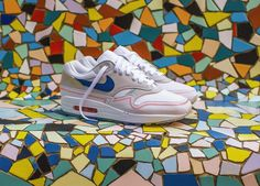 premium selection a62dd d52e2 Retrouvez notre review sur les chaussures Nike Air Max One Centre Pompidou  (Pure Platinum