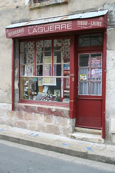 Montresor in the Loire Valley is officially listed as one oft he most beautiful villages in France. This little shop is on the main shopping street and has somehow survived while most of the others have shut down.    Acquire cash back on  each one of you  Xmas shopping. This is not some  tiny  incentives program.  Acquire {real| genuine|
