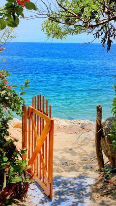 New landscape photography beach seaside ideas I Love The Beach, Jolie Photo, Beach Scenes, Beach Pictures, Ocean Beach, Beautiful Beaches, Beautiful World, Landscape Photography, Sea Photography
