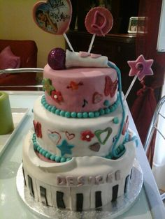 Torta violeta Desiree