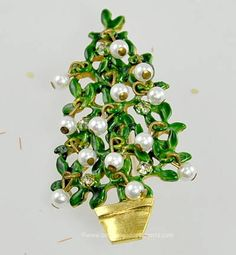 Vintage Signed ORIGINAL by ROBERT Wired Faux Pearl and Rhinestone Christmas Tree Pin $170.00 #amazingadornments