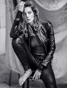 Editorial Eclipse: Laid Back Daria Werbowy in Marie Claire Russia May 2014 | DeSmitten Design Blog