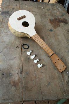 Making a gourd ukulele