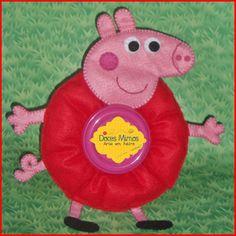 Lens Pet Peppa Pig Peppa Pig, Camera Lens, Baby Photos, Puppets, Photo Props, Crochet Baby, Christmas Ornaments, Holiday Decor, Creative