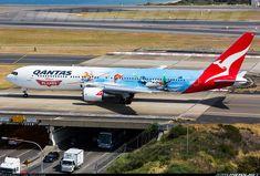 """Flightradar24.com - First photo of Qantas Boeing 767 with Disney's """"Planes"""" livery"""