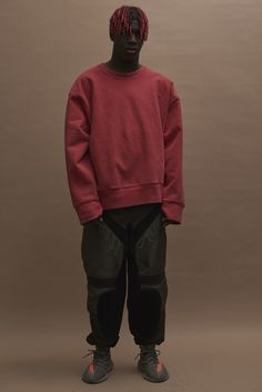 See the complete Yeezy Fall 2016 Ready-to-Wear collection. La Fashion Week, Fashion Show, Yeezy Fashion, Mens Fashion, Trill Fashion, Moda Kanye West, Style Kanye West, Yeezy Season 3, Fall Winter 2016