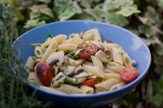 #Zucchine, funghetti, #pomodorini... ecco le Pennette alla crudaiola di Luca   @Chezuppa