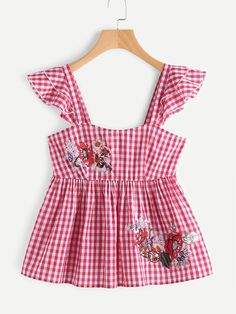 SheIn offers Embroidered Flower Patch Ruffle Strap Gingham Babydoll Top & more to fit your fashionable needs. Cute Girl Dresses, Girl Outfits, Cute Outfits, Fashion Outfits, Retro Fashion, Kids Fashion, Moda Kids, Sewing Kids Clothes, Blouse And Skirt