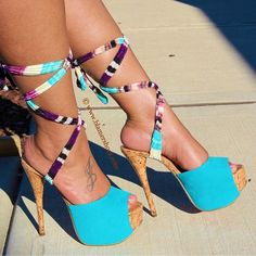 I have these shoes and absolutely adore them!!
