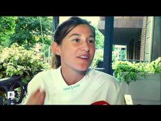 Restaurante Alba Granados. Reportaje sobre la iniciativa del restaurante Alba Granados, de organizar cenas en un balcón