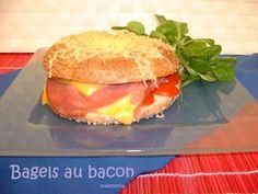 Bagels au bacon // Avez-vous déjà testé les bagels ?? Découvrez notre recette au bacon ==> http://www.ptitchef.com/recettes/plat/bagels-au-bacon-fid-1490345 #ptitchef #recette #cuisine #bagel #bacon #cook #cooking #recipe #food