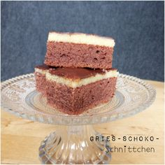 Vor über zehn Jahren brachte mir eine Schülerin ein Stück Kuchen mit in die Schule. Oh mein Gott! War der vielleicht lecker… Natürlich wollte ich das Rezept haben. Als mir das Mädel am nächst…