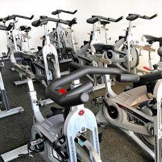 Bom dia sabadão!! Já comecei o dia com pique total aqui no @studiohealthtrack que agora além das aulas de treinamento funcional e muay thai também tem as aulas de bike  E ainda nesse mês mais novidades virão... Health Track bombando  #healthtrack #bike #spinning #saturday #lifestyle