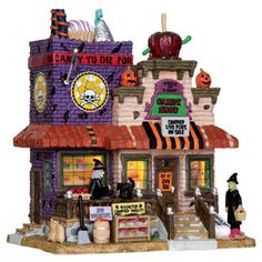 Trick or Treat Candy Shop--Lemax Halloween Village, Halloween House, Holidays Halloween, Halloween Decorations, Halloween Crafts, Lemax Christmas, Christmas Villages, Halloween Shadow Box, Lemax Village
