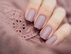 nude-matte-nails-beige-color