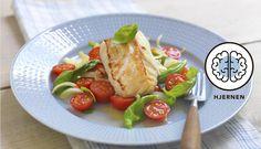 Raskere enn dette blir det ikke! Stekt torsk med en smakfull tomatsalat vil ikke bare spare deg tid på kjøkkenet men også gi deg en smakfull middag.