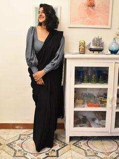 Saree Jacket Designs, Saree Blouse Neck Designs, Saree Blouse Patterns, Fancy Blouse Designs, Shagun Blouse Designs, Latest Blouse Patterns, Lehenga Designs, Dress Patterns, Sleeves Designs For Dresses