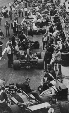 1973 Belgian Grand Prix at Zolder. Won by Jackie Stewart, François Cevert and third Emmerson Fittipaldi. The track had to be resurfaced a week before the race after complaints by Stewart, Cevert and Emmo. F1 Racing, Road Racing, Gt Cars, Race Cars, Le Mans, Photo Zone, Belgian Grand Prix, Formula 1 Car, Racing Events