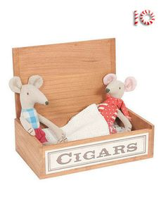 """The Mum and Dad in Cigar Box are absolutely irresistible! The real wood """"cigar box"""" comes with a mum and dad mouse and bedding. What a fantastic gift! Find it now at everythingmaileg.com!"""