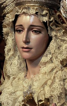 The Blessed Virgin Mary ~ Mother of God ~Que guapa Jesus Mother, Blessed Mother Mary, Blessed Virgin Mary, Religious Images, Religious Icons, Religious Art, Catholic Veil, Catholic Art, La Passion Du Christ