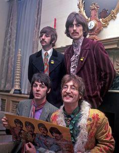 Grandes momentos: Los Beatles eran mas que un grupo enese momento, cada integrante iba encontrando su rumbo musical. Etapa psicodelica de la banda