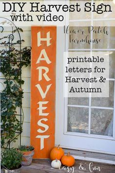 A Harvest sign and how to paint lettering is an easy tutorial on painting DIY signs without using expensive stencils or cutting machines. Create different signs and make them unique. Painted Letters, Hand Painted Signs, Wood Letters, Fall Decor Signs, Diy Porch, Porch Wall, Flower Patch, Fall Harvest, Autumn