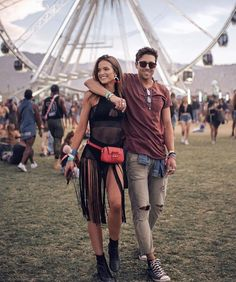 Festival Looks, Couple Outfits, Rave Outfits, Festival Outfits, Festival Fashion, Concert Outfits, Festival Clothing, Palm Springs, Cute Couple Dancing