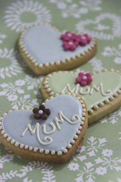 mum and flower heart iced biscuits web