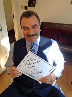 Mahalo, Tom Selleck! Catch the @BlueBloods_CBS star on tonight's big show.