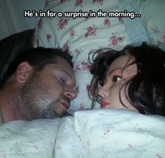 How To Cure Insomnia - Why Can't My Girlfriend Fall Asleep? - Doll in Bed WTF ---- best hilarious jokes funny pictures walmart humor fail Girlfriend Humor, Me As A Girlfriend, Alone, Funny Photos, Funny Images, Insomnia Cures, Dump A Day, Funny Fashion, Fashion Humor