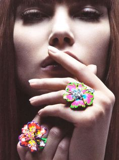 Catherine McNeil by Inez & Vinoodh for Christian Dior Joaillerie, 2008 Catherine Mcneil, Dior Jewelry, Mario Testino, 80s Fashion, Flower Power, Christian Dior, Class Ring, Chic, Editorial