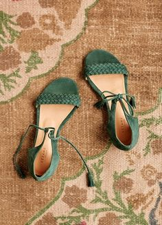 Insanely Cute Summer Sandals from 52 of the Insanely Cute Summer Sandals collection is the most trending shoes fashion this season. This Summer Sandals look related to sandals, shoes… Hot Shoes, Women's Shoes, Wedge Shoes, Me Too Shoes, Shoe Boots, Flat Sandals, Shoes Sneakers, Gladiator Sandals, Black Shoes