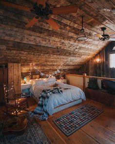 Cozy cabin bedroom vibes⠀ ⠀ Photos by Cabin ⠀ Cabin Homes, Log Homes, Dream Rooms, Dream Bedroom, Room Ideas Bedroom, Bedroom Decor, Western Rooms, Deco Cool, Design Loft