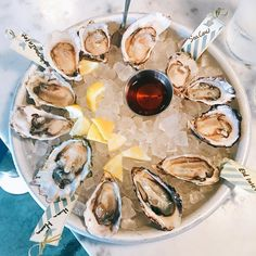 Hello Seattle! Dropped into @westwardseattle for a dozen West Coast (damn tasty Hama Hama's and Sea Cows) #oysters for brunch.  #oysterlove #oysterbrunch #seattleeats #westward @hamahamaoysters xoxo INAHALFSHELL.COM