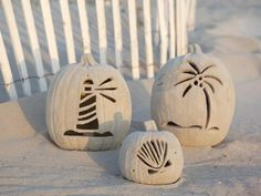 Sandy Beach Pumpkins >> http://www.diynetwork.com/decorating/11-unusual-ways-to-decorate-a-halloween-pumpkin/pictures/index.html?i=1?soc=pinterest