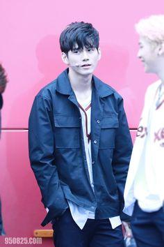 옹성우 Ong Seongwoo Pop Crush, Ong Seung Woo, Dancing King, Korean People, Produce 101 Season 2, Kim Jaehwan, Ha Sungwoon, Kris Wu, Now And Forever