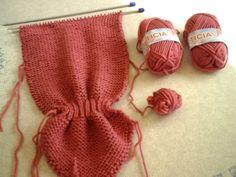 "Patrón para realizar cuellecito de lana ""tipo orejitas de gato"" Knitting Videos, Crochet Bikini, Knitted Hats, Winter Hats, Swimwear, Fashion, Craft, Ficus, Long Scarf"