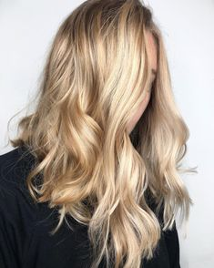 Bubbly, bold and and beautiful, Wella Master Colour Expert Lauren Mac concocts a gorgeous Champagne Blonde hair colour. Blonde Hair Looks, Ice Blonde, Blonde With Pink, Caramel Blonde, Warm Blonde, Silver Blonde, Cool Blonde, Bright Blonde, Shades Of Blonde