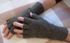 Kynsikkäät (ohje suomeksi) Half Gloves, Fingerless Gloves, Arm Warmers, Mittens, Knit Crochet, Knitting, Pattern, Socks, Fingerless Mitts