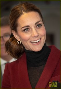 Kate Middleton Visits Neuroscience Lab at University College in London: Photo Catherine, Duchess Of Cambridge (aka Kate Middleton) is looking chic while paying a visit to UCL Developmental Neuroscience Lab at University College London on Wednesday… Queen Kate, Princess Kate, Princess Charlotte, Kate Middleton College, Kate Middleton Style, Diana, British Monarchy History, Catherine The Great, William Kate