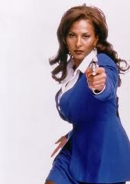 Pam Grier being bossy, foxy, and alpha as fuck in Jackie Brown Black Celebrities, Celebs, Beautiful Black Women, Beautiful People, Amazing Women, Foxy Brown Pam Grier, Jackie Brown, Black Magazine, Vintage Black Glamour