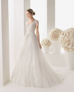 New Design A Line Illusion Sweep-Brush Train Tulle Ivory Cap Sleeve Zipper With Buttons Wedding Dress With Appliques h1rc0368